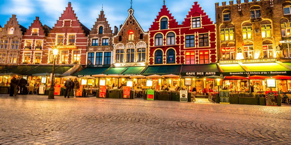 Brugge: kasseien eruit, warmtenet erin?